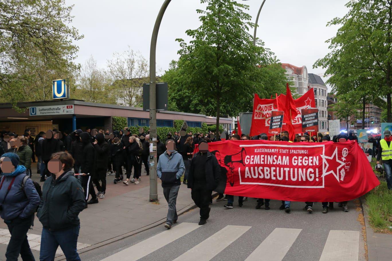 Die Demonstration löste sich gegen 21 Uhr bei der Lutterothstraße. Foto: Niklas Heiden