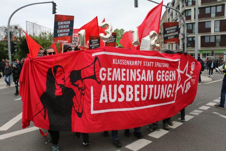 1.Mai Demo Hamburg-Eimsbüttel an der Weidenallee. Foto: Niklas Heiden