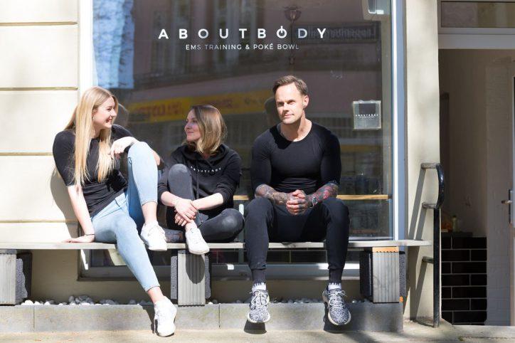 """Irina Heinert, Nicole Oparkowski und Martin Wendt eröffnen am 4. Mai ihr neues Geschäft """"About Body"""". Foto: Britta Förster"""