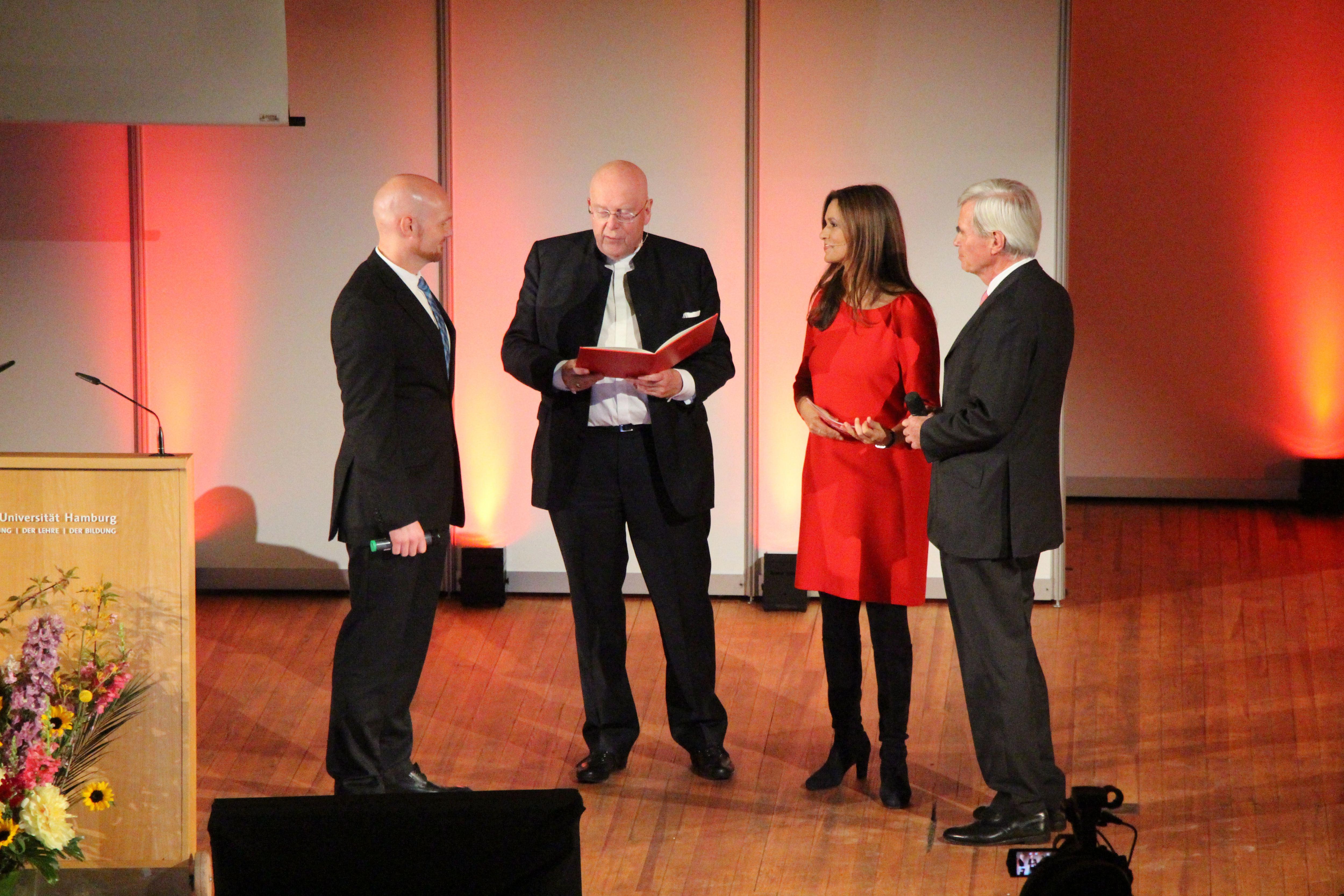 Alexander Gerst wurde zum Ehrensenator ernannt. Foto: Alicia Wischhusen