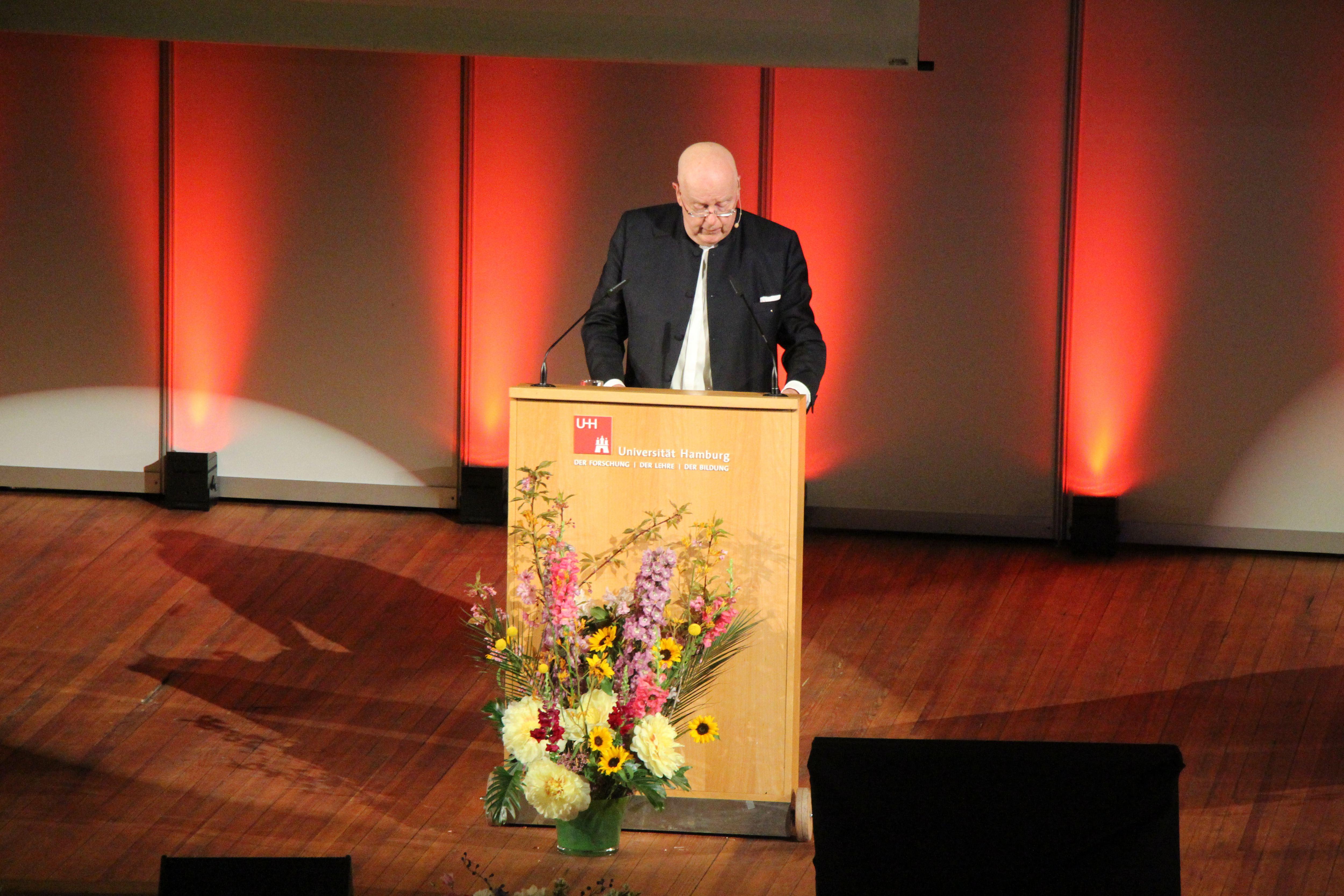 """""""Wir wünschen uns, dass uns die Freiheit der Forschung erhalten bleibt"""", sagte Lenzen. Foto: Alicia Wischhusen"""