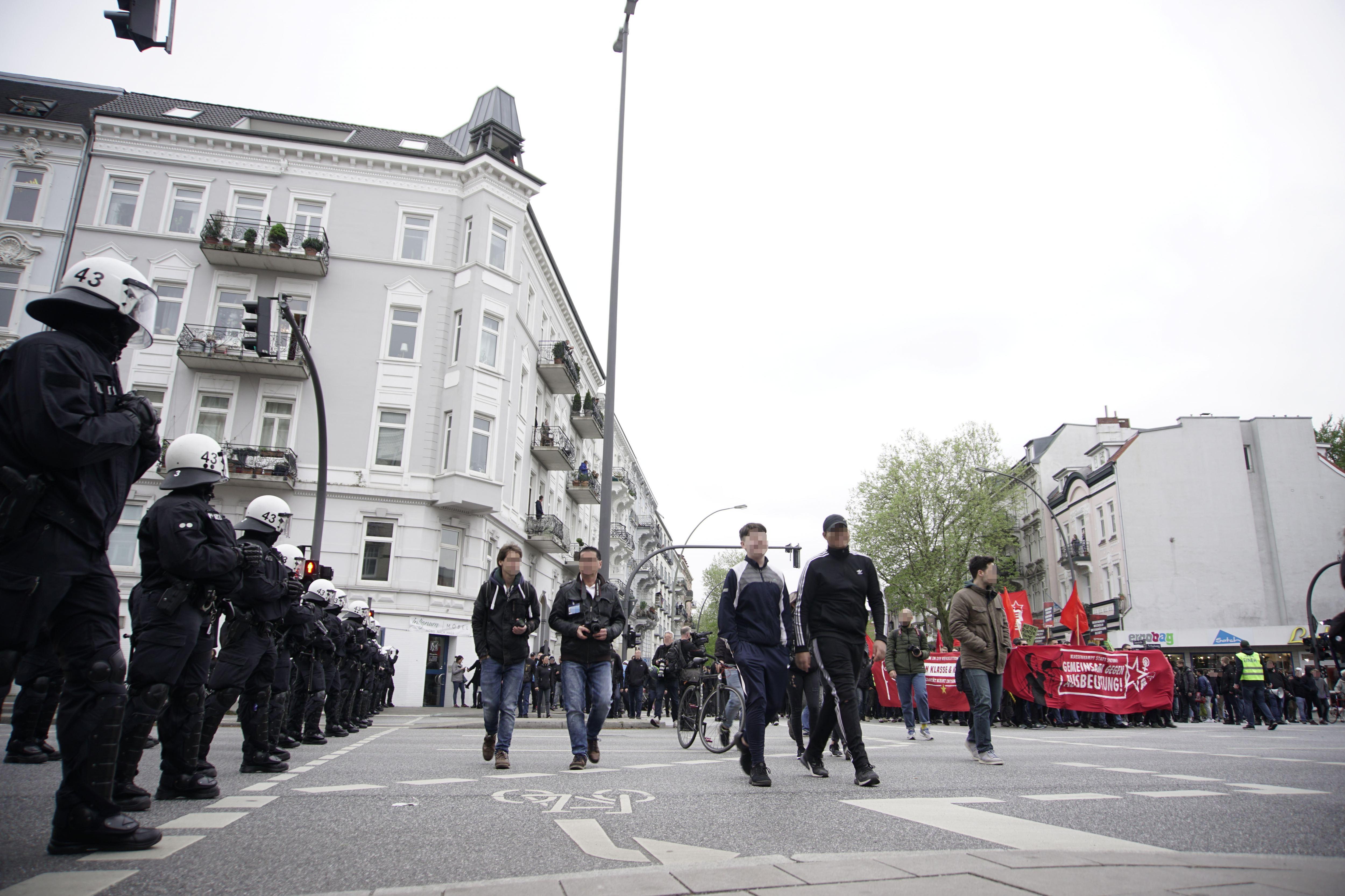 Die Route der Demonstranten führte auch über die Kreuzung Schulweg/Osterstraße. Foto: Stefan Fraberger