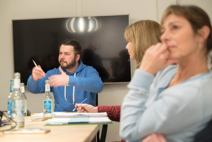 Teammitglieder des Kreativhauses bei einem Treffen. Foto: Frederika Hoffmann