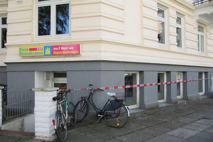 Auch das Abgeordnetenbüro von Jens P. Meyer der FDP war betroffen. Foto: Catharina Rudschies