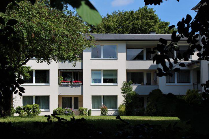 Von drei auf fünf Stockwerke? Im Wohnquartier am Rimbertweg soll nachverdichtet werden. Foto: Catharina Rudschies