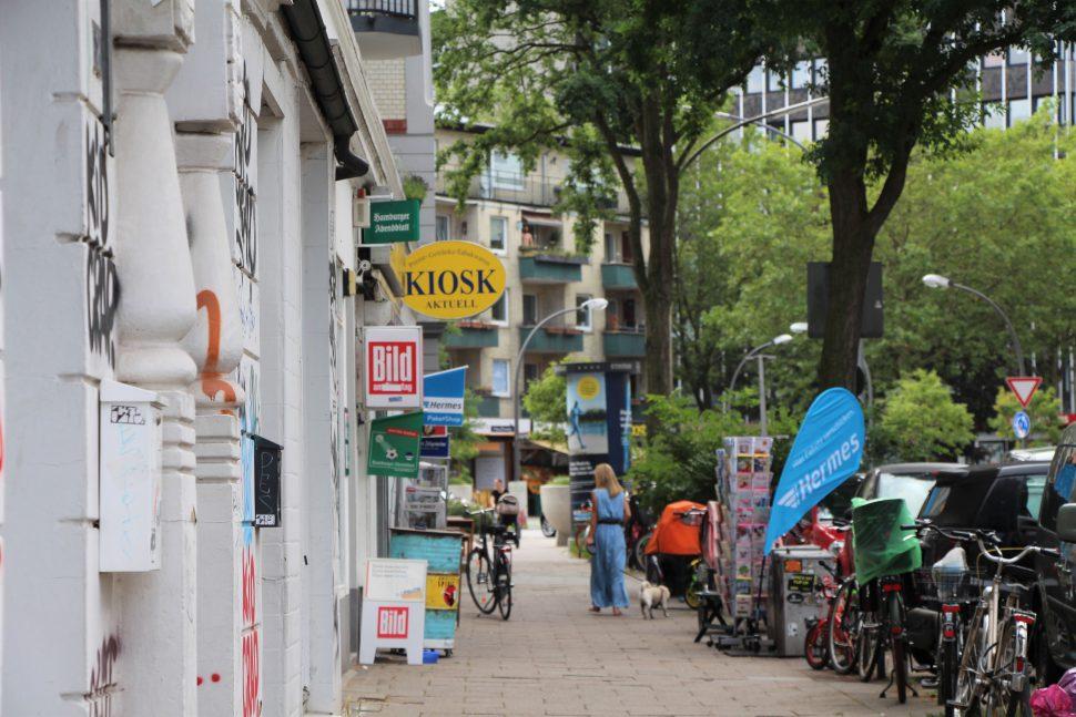 Im Kiosk im Stellinger Weg erbeutete der Täter rund 800 Euro. Foto: Catharina Rudschies