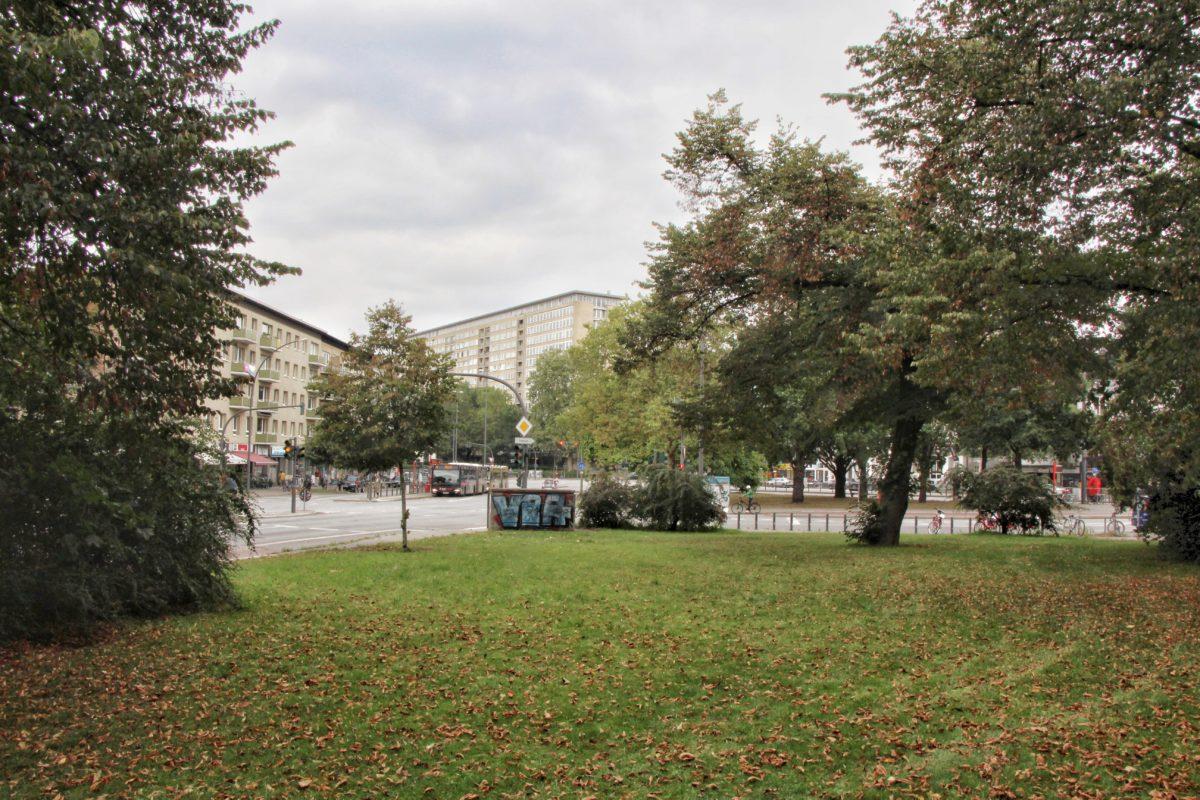 Die Grünfläche an der Straße Beim Schlump erhält einen Namen: Annemarie-Dose-Platz. Foto: Eimsbütteler Nachrichten