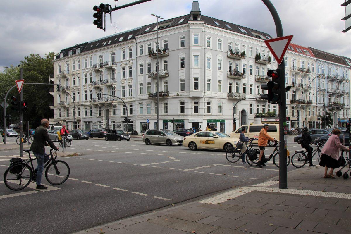 An der Kreuzung Osterstraße/Schulweg treffen viele Verkehrsteilnehmer aufeinander. Foto: Bianca Multerer