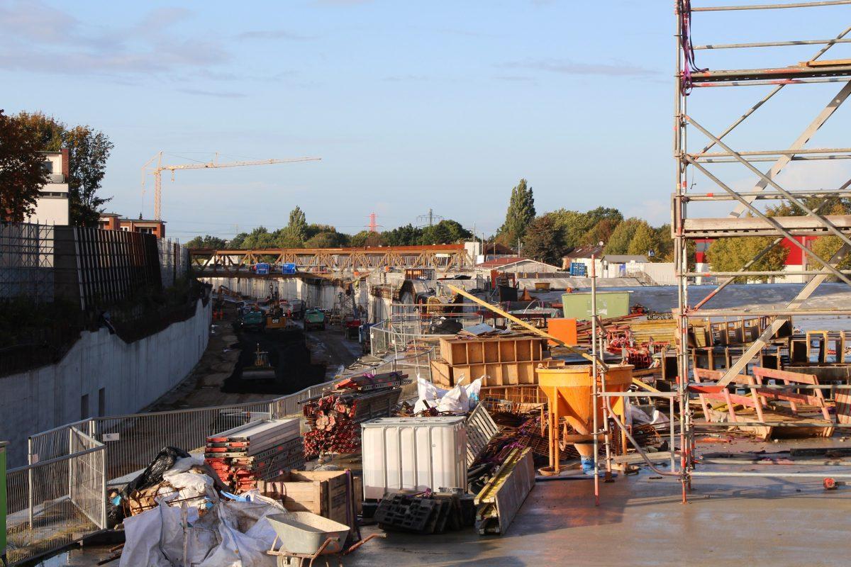 Tunnelarbeiten über der A7. Foto: Bianca Multerer