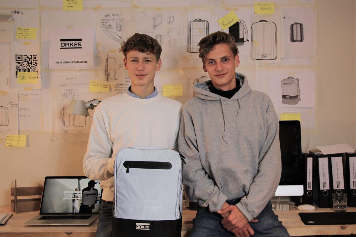 Gründer Emil Woermann (links) und Jacob Leffers von OAK25. Foto: Catharina Rudschies