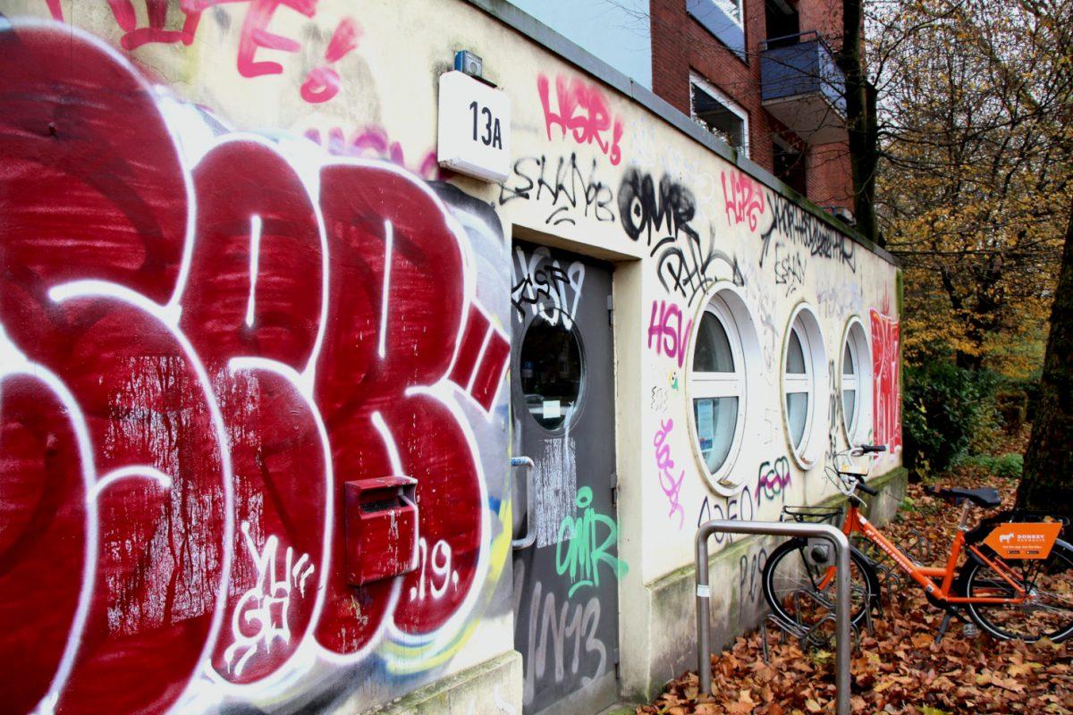 Bewaffnete Täter überfielen diesen Jugendclub im Doormannsweg.