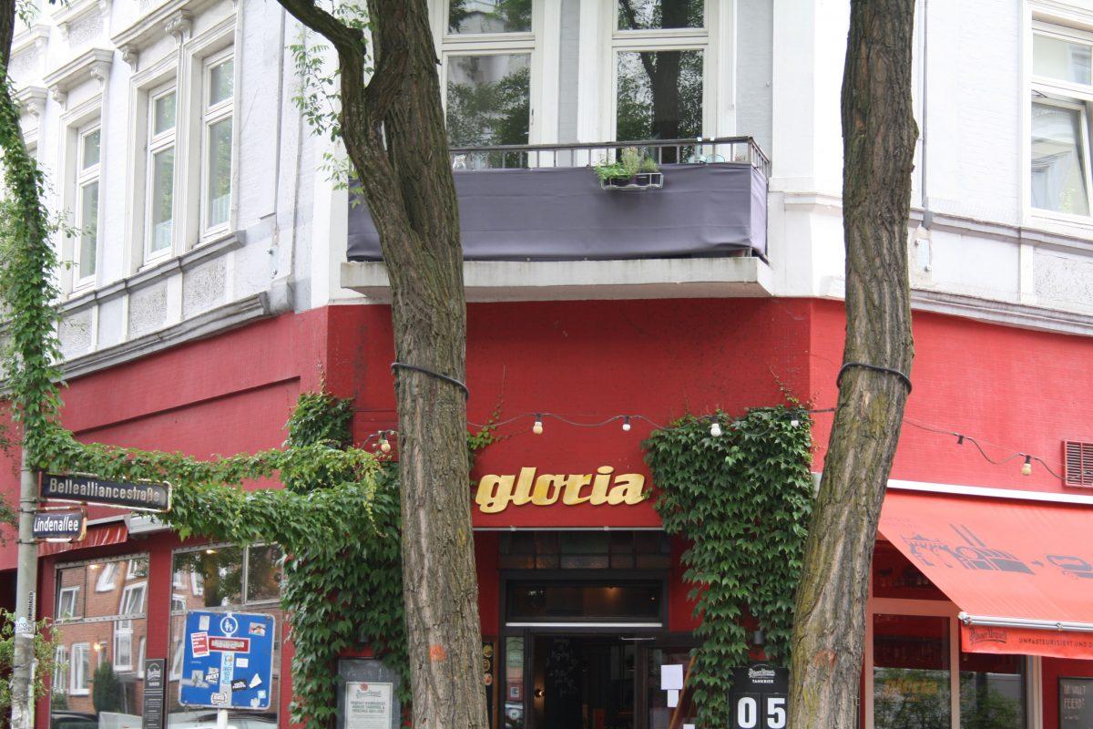 """Die Ersthelfer konnten den Jungen im Café """"Gloria"""" wiederbeleben. Foto: Monika Dzialas"""