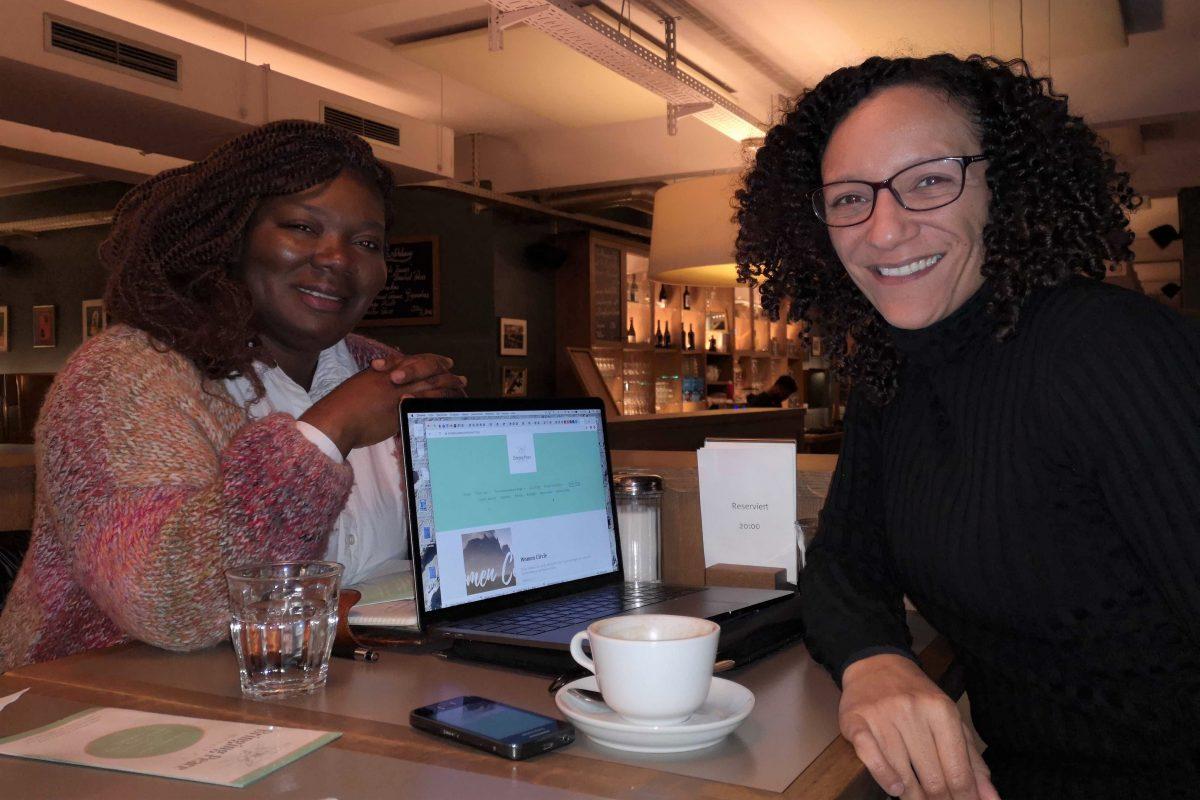 Sarfo und Obermeier entwickelten ein Social Startup für geflüchtete Frauen. Foto: Sophia Kleiner