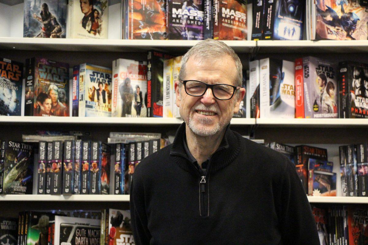"""Inhaber Richard Meyer betreibt """"Andere Welten"""" seit 37 Jahren."""