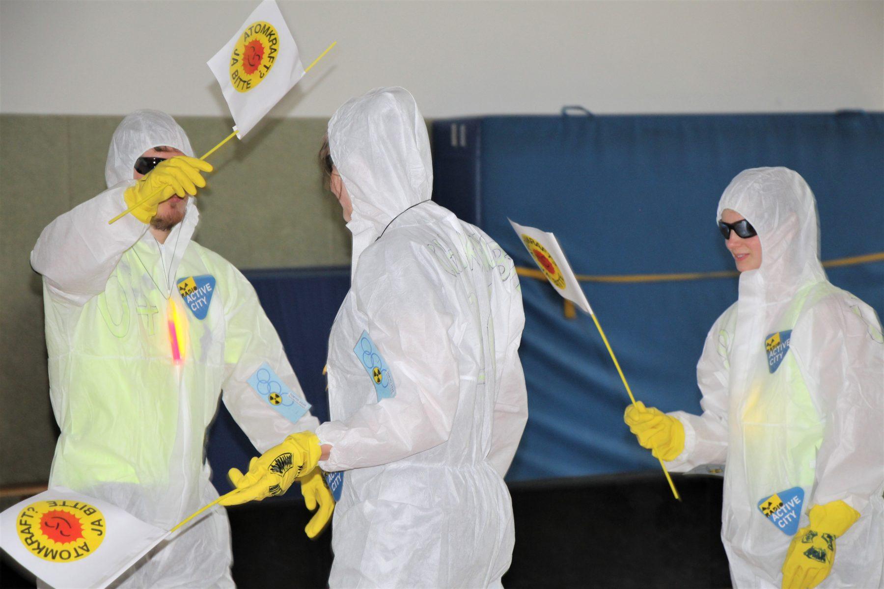 """""""Chairnobyl"""": Ihre Bewegungen haben Strahlkraft. Foto: Sophia Kleiner"""