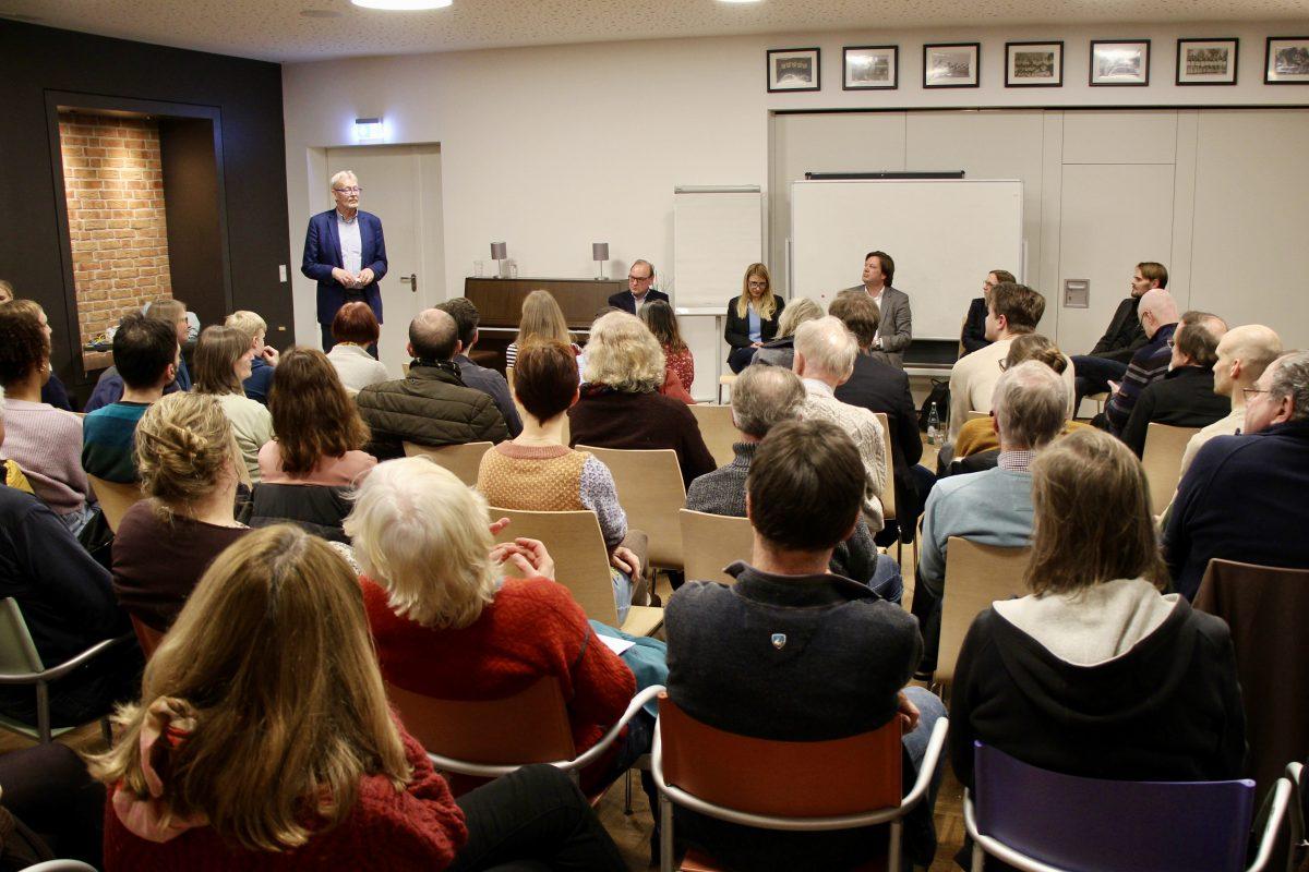 Das Publikum der Eimsbütteler Stadtteilgespräche im ETV Bürgerhaus.