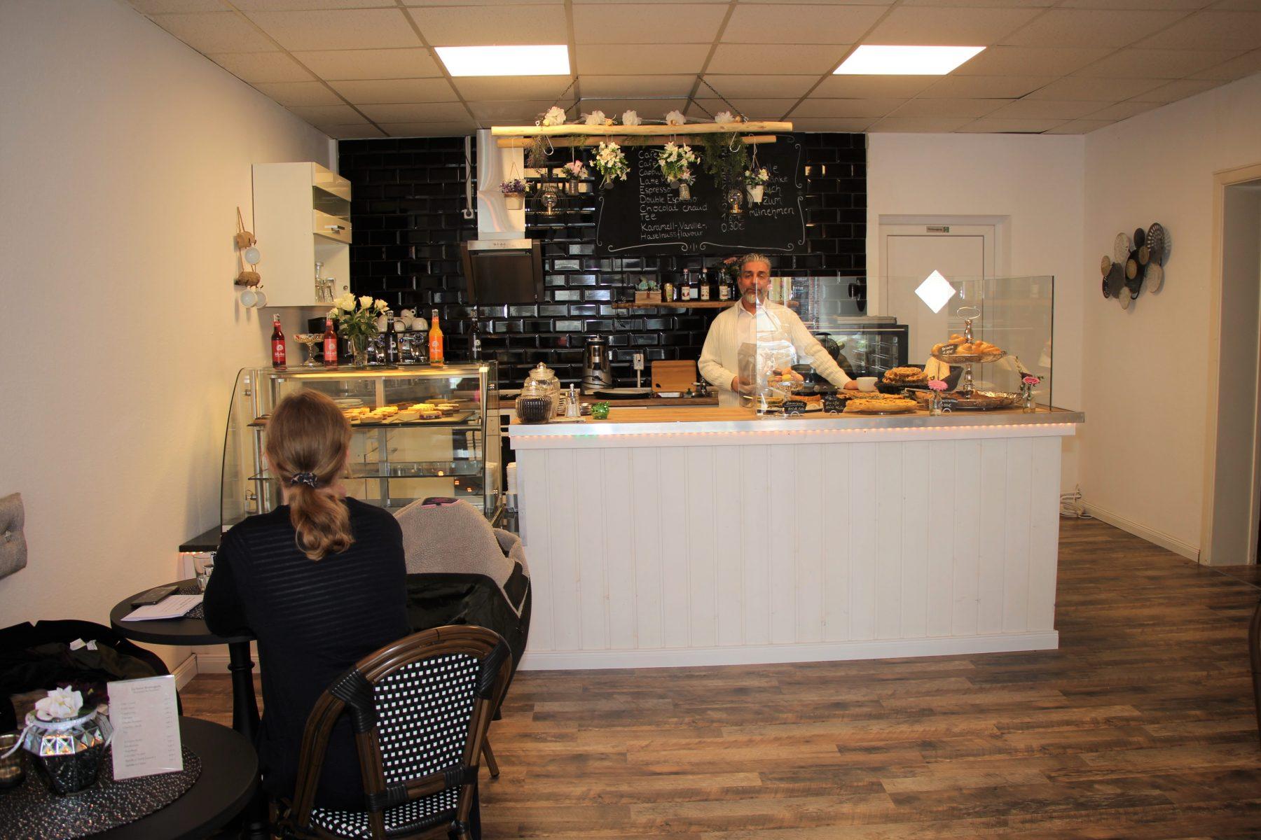 Naim hat eine französische Bäckerei im Stellinger Weg eröffnet. Foto: Sophia Kleiner