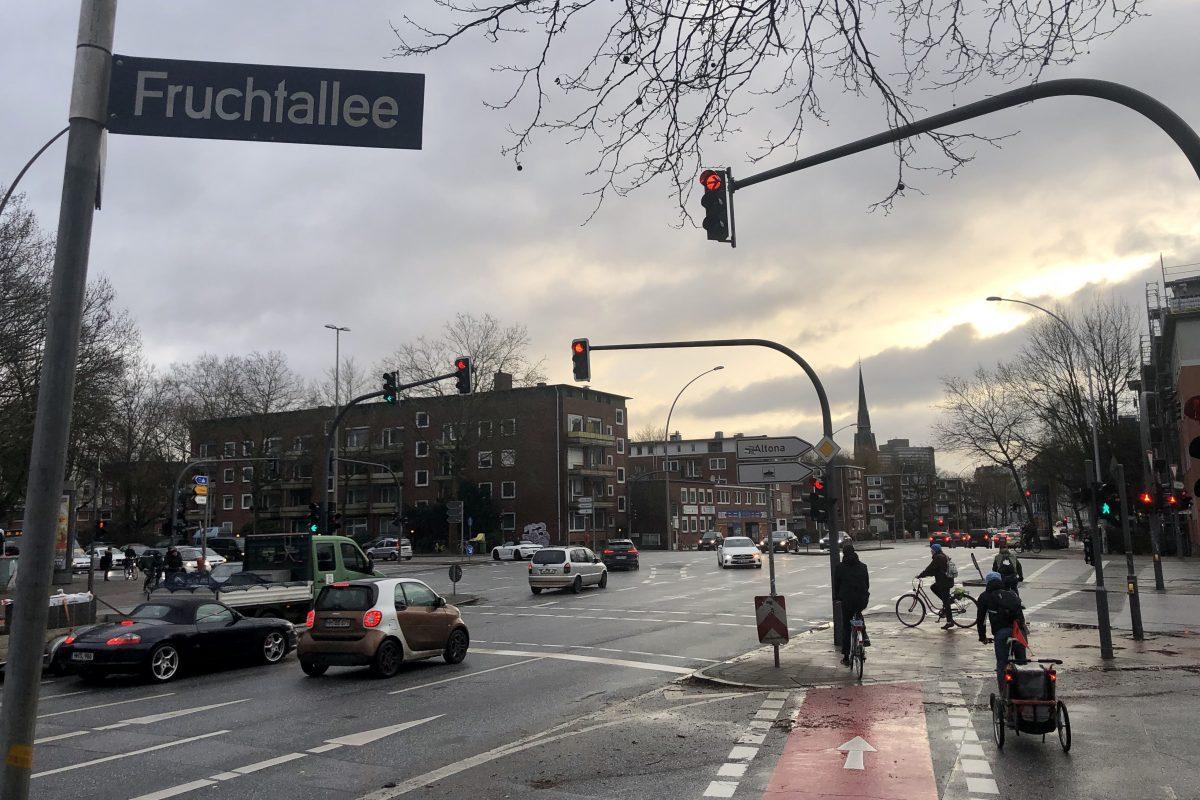 Bis September wird die Kreuzung Doormannsweg/ Fruchtallee saniert.