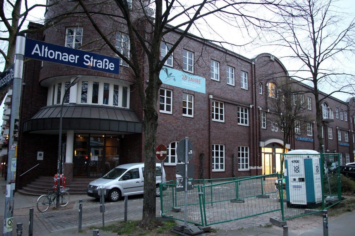 Auf einer Baustelle in der Altonaer Straße wurde heute ein Bauarbeiter verschüttet. Foto: Eimsbütteler Nachrichten