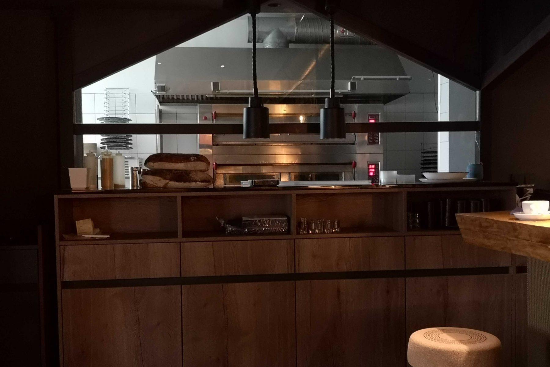 Der Backofen steht im Restaurant. Foto: Sophia Kleiner