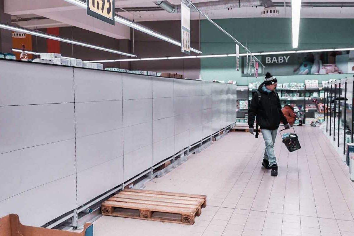 Leere Supermarktregale in Zeiten von Corona. Symbolbild: Sophia Kleiner