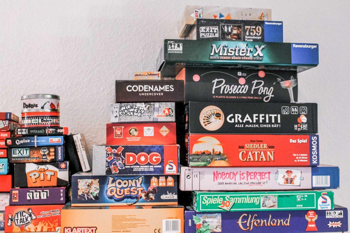 Mit Gesellschaftsspielen verfliegt die freie Zeit im Nu. Foto: Marianne Bruhns