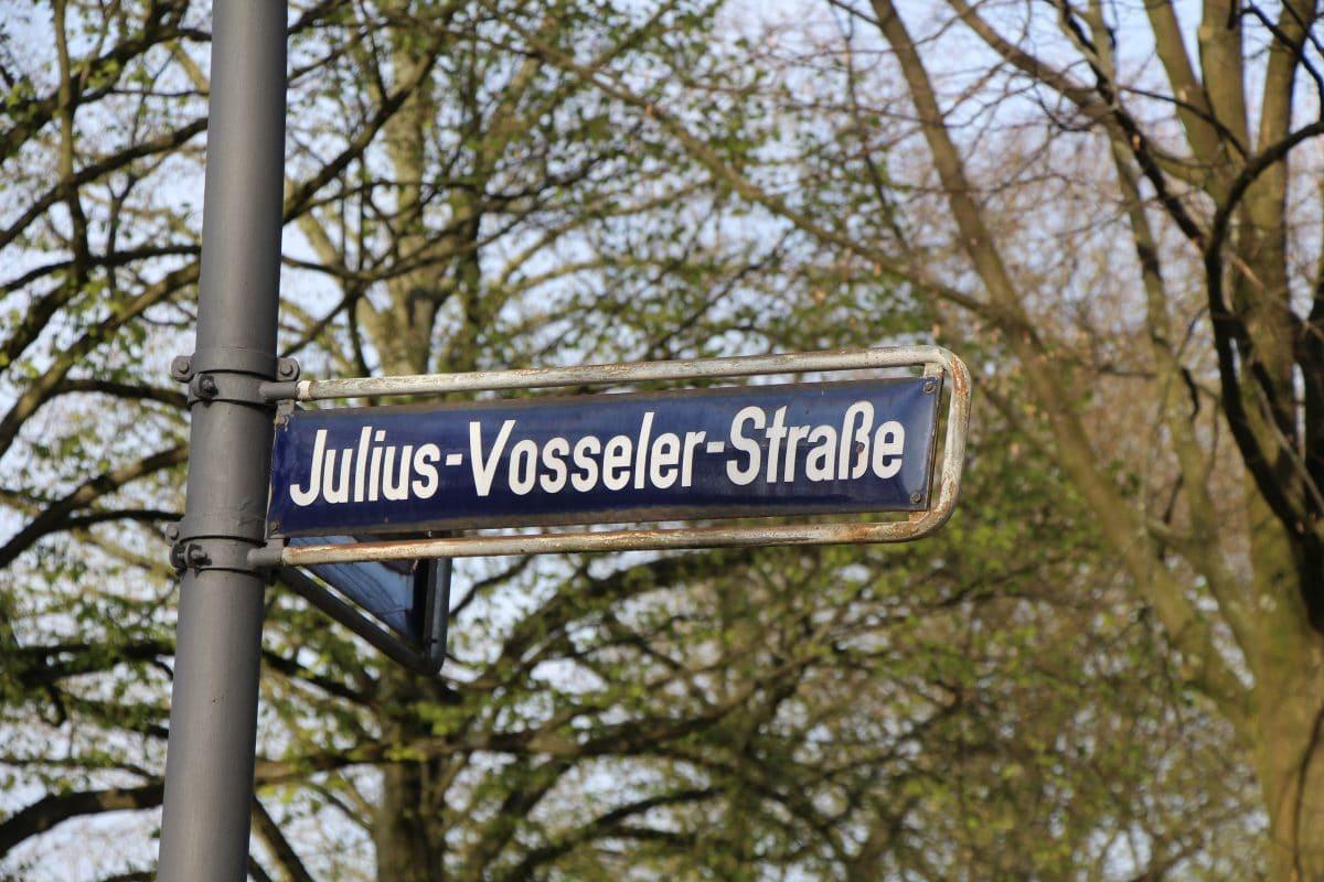 Der 80-Jährige wurde tot in seiner Wohnung in der Julius-Vosseler-Straße gefunden.