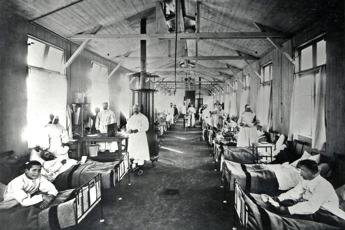 So sah die Cholera-Station vor dem Marienkrankenhaus 1892 aus. Foto: Georg Koppmann, Museum für Hamburgische Geschichte