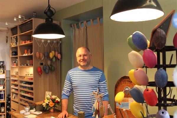 Inhaber Karsten-Wolfgang Kurth schließt bald seine Türen für einen Monat, um neue Seife in Marseille zu produzieren. Foto: Marianne Bruhns