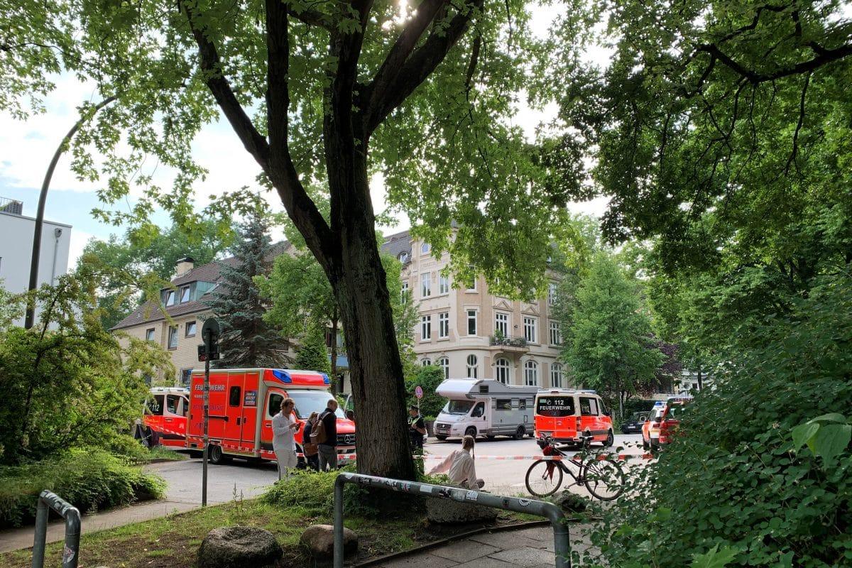 """Der Eimsbütteler Park """"Am Weiher"""" war für mehrere Stunden gesperrt. Foto: Ellen Schuttrich"""