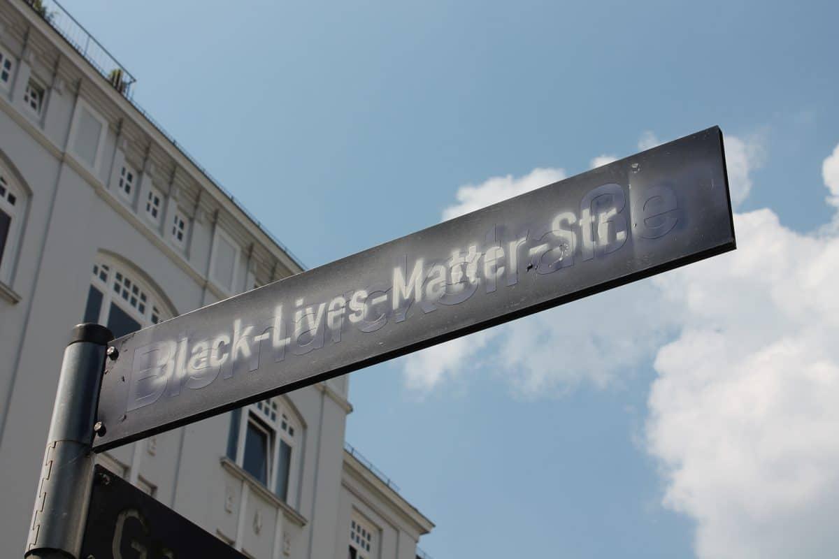 Mit der Umbenennung wollen sich die Aktivisten für People of Color stark machen. Foto: Marianne Bruhns