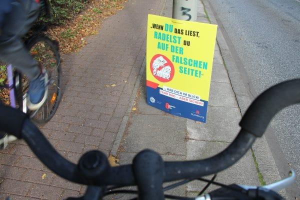 Plakate gegen Geisterradler