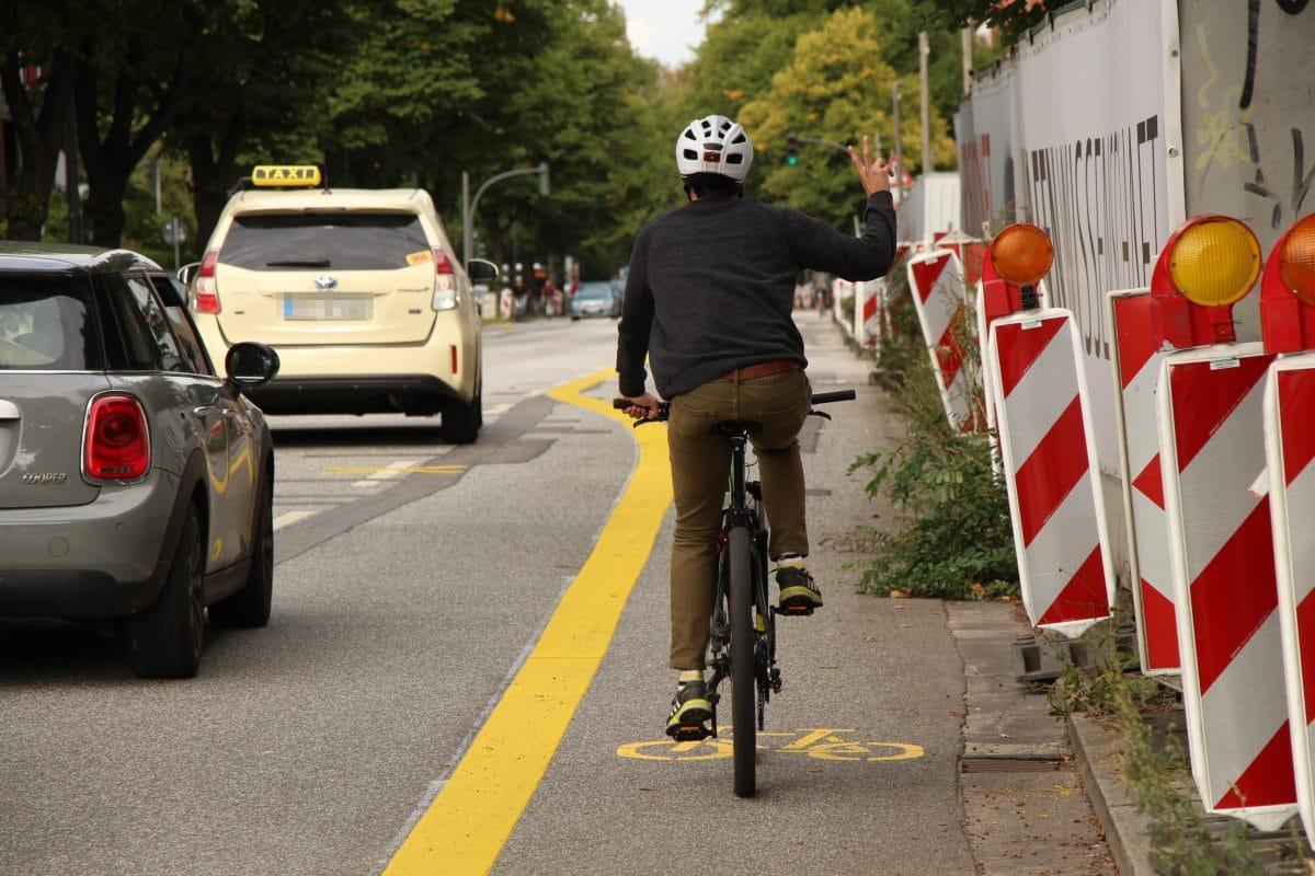 Die neue Bikelane wurde von Radfahrer am Montag freudig genutzt. Foto: Alana Tongers