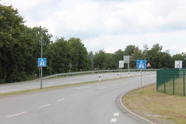 Anfang November kommt es auf den Auf- und Abfahrten der Anschlussstelle Schnelsen zu mehreren Sperrungen. Symbolbild: Gesche Pelters