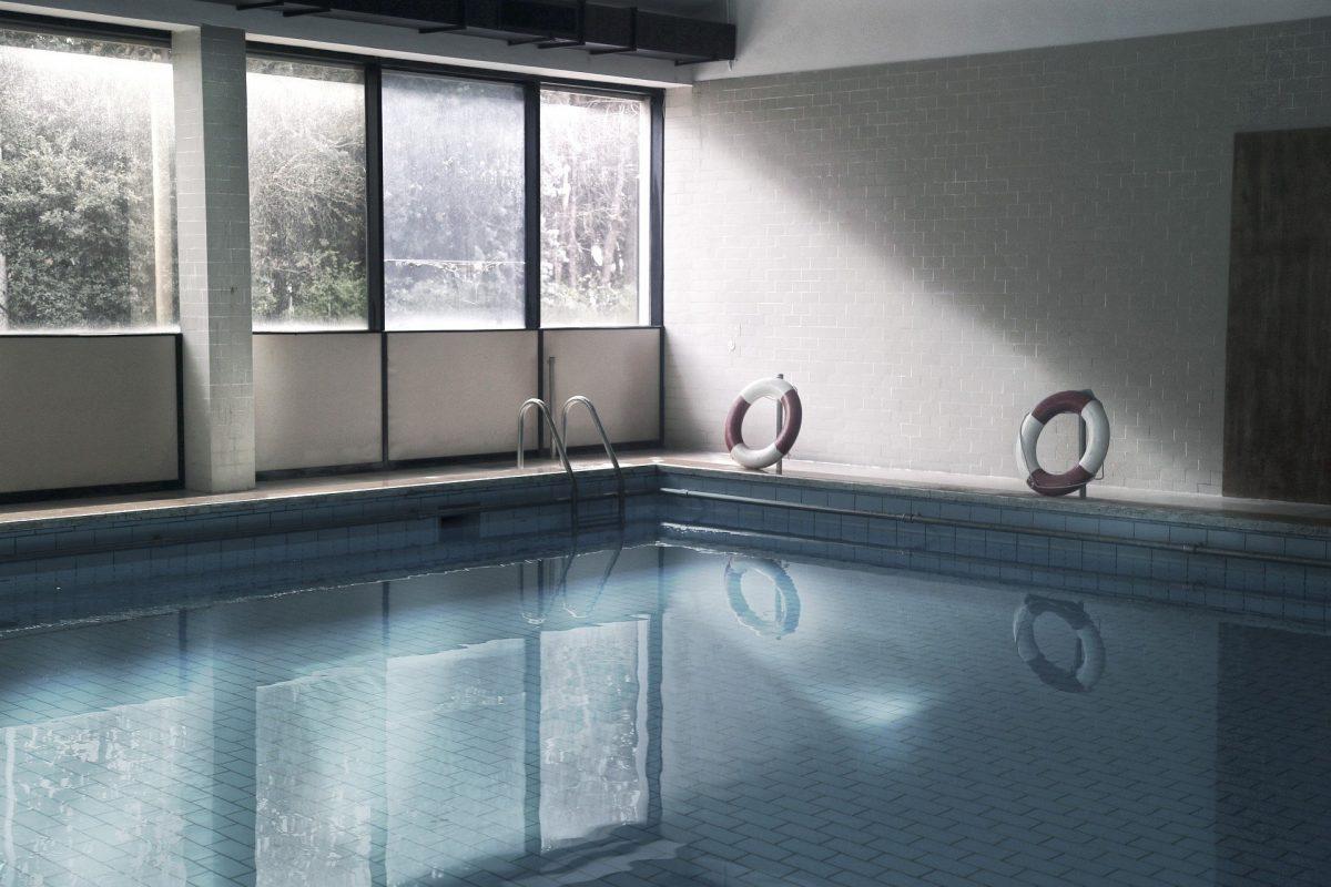 Die Gruppe feierte in einem privaten Schwimmbad.