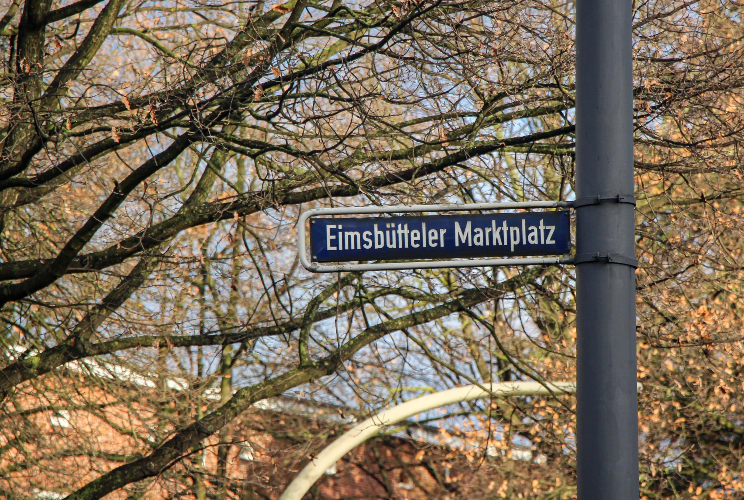 Ein Mann hat am Dienstag ein 14-jähriges Mädchen auf dem Eimsbütteler Marktplatz unsittlich berührt.