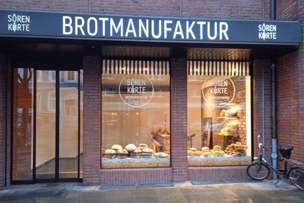 In Sören Kortes Brotmanufaktur in der Osterstraße gibt es sieben verschiedene Brote zur Auswahl. Foto: Sören Korte