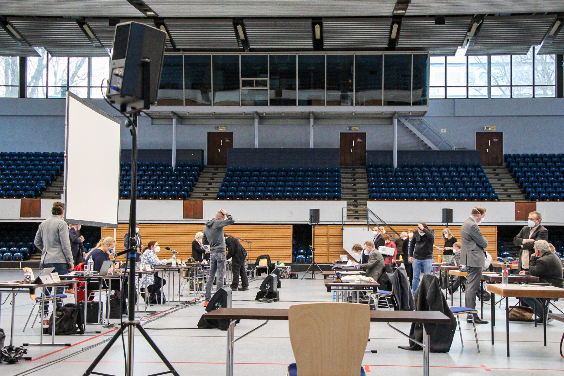 Die Bezirksversammlung fand gestern zum ersten Mal in der Alsterdorfer Sporthalle statt.