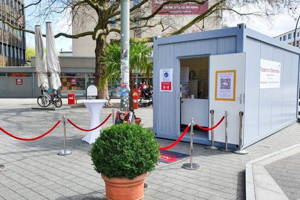 Das Testzentrum Osterstraße auf dem Fanny Mendelssohn Platz. Foto: Malte Klauck