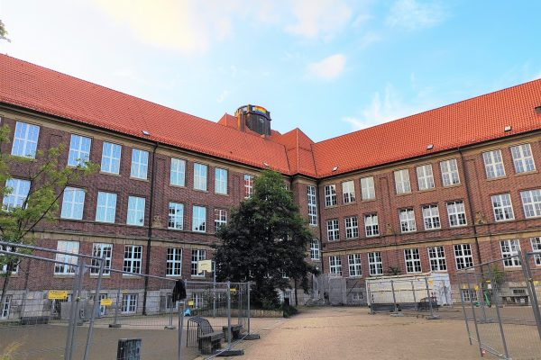 Das Gymnasium Kaiser-Friedrich-Ufer in der Bundesstraße. Foto: Eimsbütteler Nachrichten
