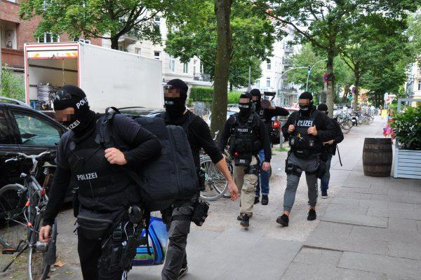 Lutterothstraße Wohnungsdurchsuchung Spezialeinheit Drogen Dealer