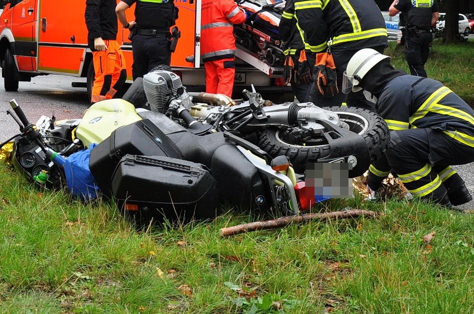 Hamburg Eimsbuettel_Motorradunfall Kieler Strasse Motorradfahrer