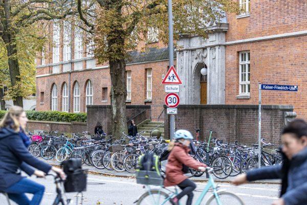 Mehr Verkehrssicherheit für Schüler: Umbau im Eimsbütteler Schulcluster. Foto: Grüne Eimsbüttel